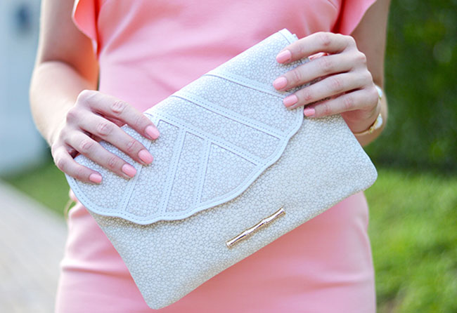 preppy, southern, style, scalloped, clutch, summer, girl, keg, sun, dress, wedding, rehearsal dinner, seat