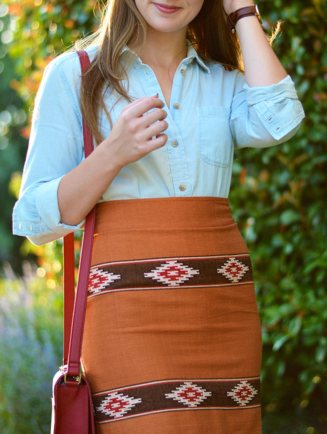 ut game day fashion, game day fashion, football game style, tailgating fashion, tailgating style, college style, sorority girl, university of texas, university of texas sororities, chambray shirt, aztec skirt, danielle nicole handbag, daniele wellington watch, bauble bar pearl studs
