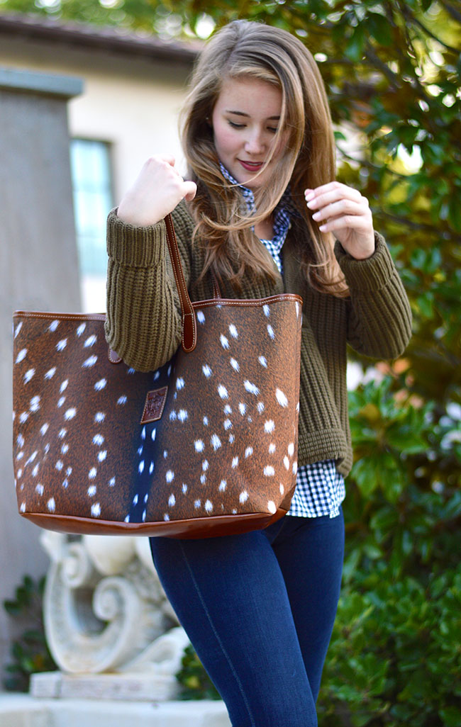 barrington st. anne tote deer print axis, deer print bag, southern preppy style, preppy fall style, texas blogger, dallas blogger, j.crew everstretch jeans, tory burch booties, baublebar double pearl earring
