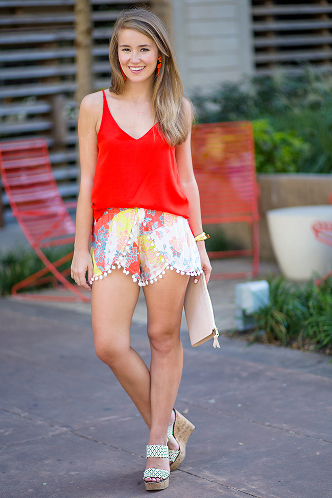 pom pom shorts, tahiti shorts, lisi lerch earrings, tory burch wedges, tory burch clutch, blush clutch