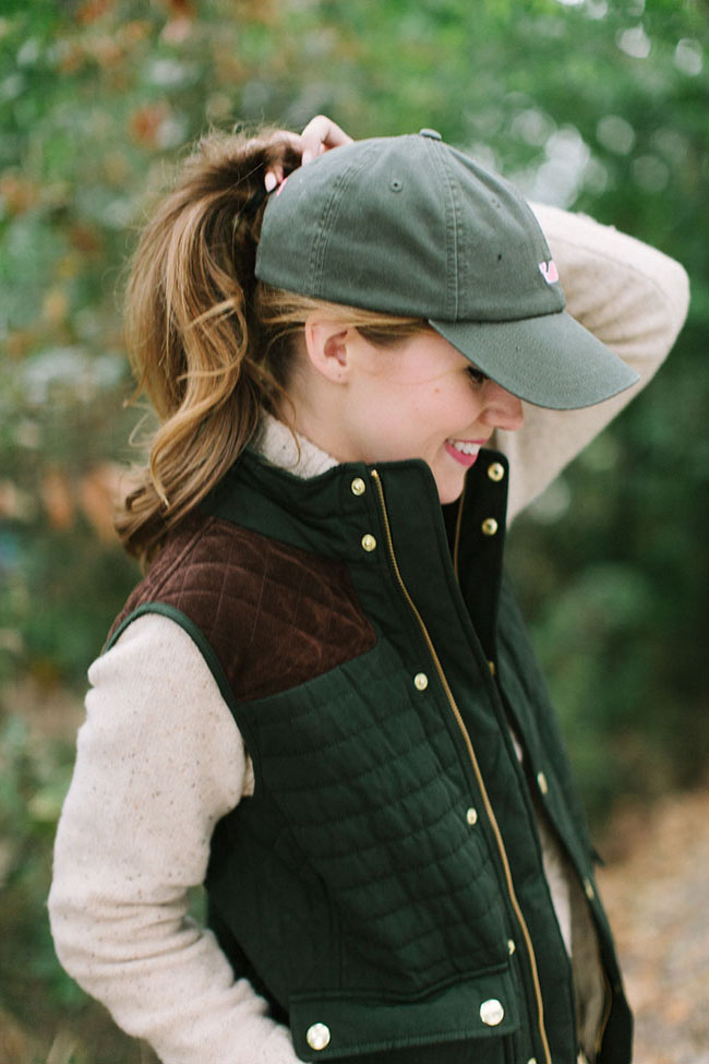 vineyard vines, quilted vest, vineyard vines womens vest, vineyard vines quilted vest, preppy style, preppy girl, preppy fashion, sorority girl, vineyard vines girl, baseball cap, girl in baseball cap, tory burch booties, southern style, southern fashion, preppy blogger, southern blogger, edsftg