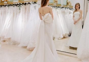 wedding wednesday no. 16 // wedding dress shopping