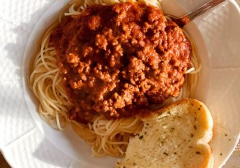 Recipe // my mama's simple five ingredient spaghetti with meat sauce