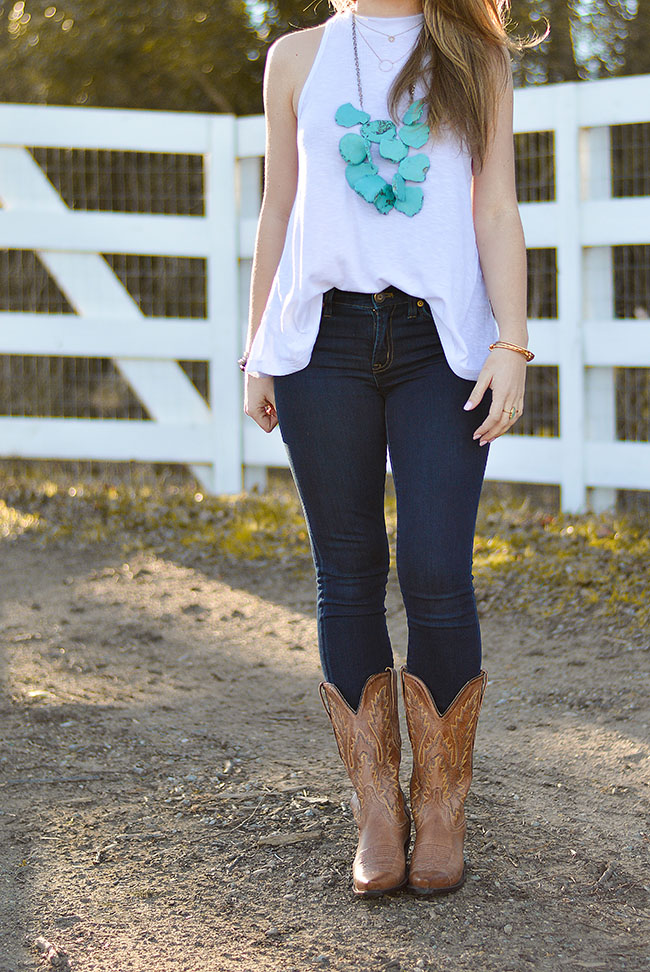 what to wear to a country concert, josh abbott, turquoise necklace, turquoise bracelet, cowboy boots, free people tank, texas girl, sorority girl, style, fashion