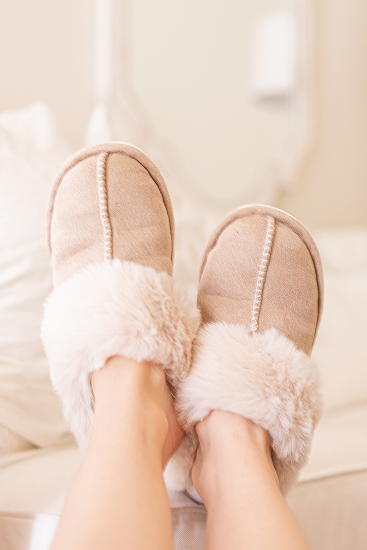 amazon slippers, sosushoe, ugg slipper dupe, women